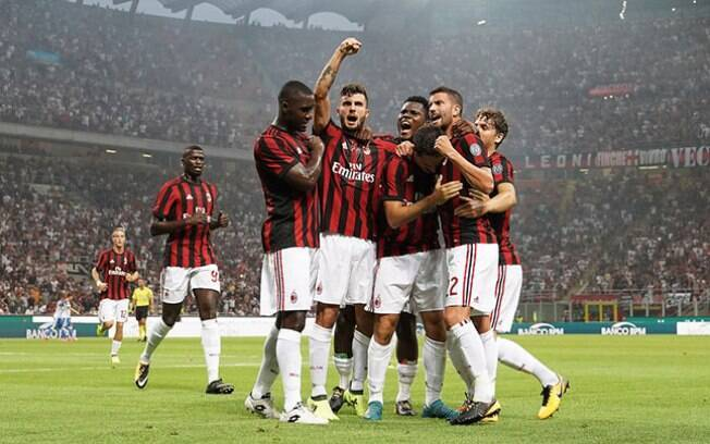 Foram mais de 200 milhões de euros gastos pelo Milan na última janela de transferências