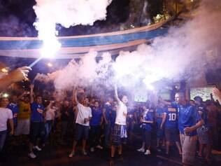 Torcida do Cruzeiro também faz a sua festa, mesmo sem poder ir ao clássico