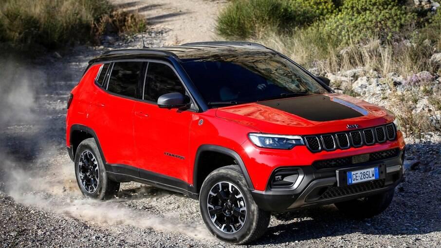 Jeep Compass híbrido será importado da Europa para o Brasil como o primeiro modelo plug-in da marca no país