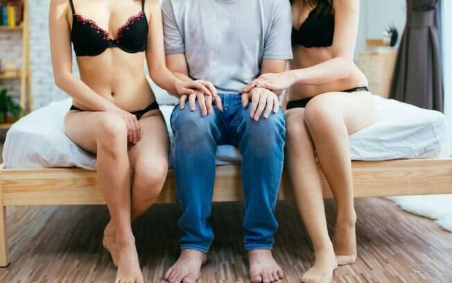 Para que o sexo a três dê certo, é importante garantir que o ato é uma fantasia de todos e que haja limites