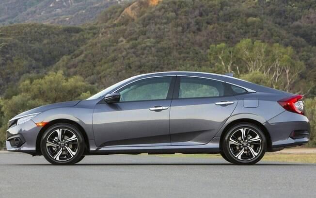 Honda Civic: bom e bonito, mas precisava ser tão caro? Só não é o líder porque nessa categoria enfrenta outro mito do imaginário