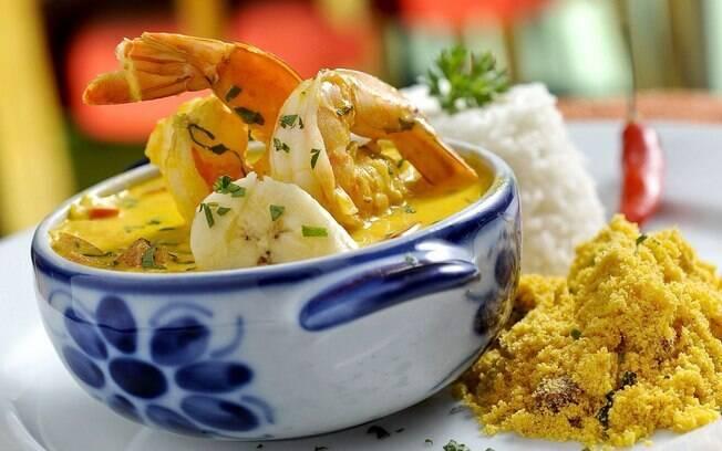 A moqueca de camarão com banana do paulistano Obá fica pronta em menos de meia hora