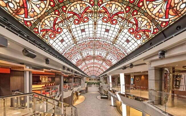 O telão de LED da MSC Cruzeiros faz o viajante ter um céu virtual com projeções de diversos tipos