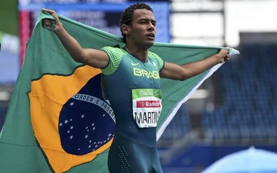 Daniel Martins quebra recorde mundial e é ouro no Rio 2016 - Olimpíadas - iG