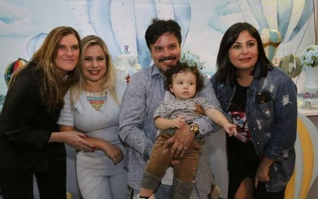 Chris Kardel, Vivian Leonel, Luciano Nassyn (com Lorenzo) e Juliana Nespatti