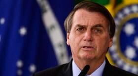 Bolsonaro critica isolamento e diz que