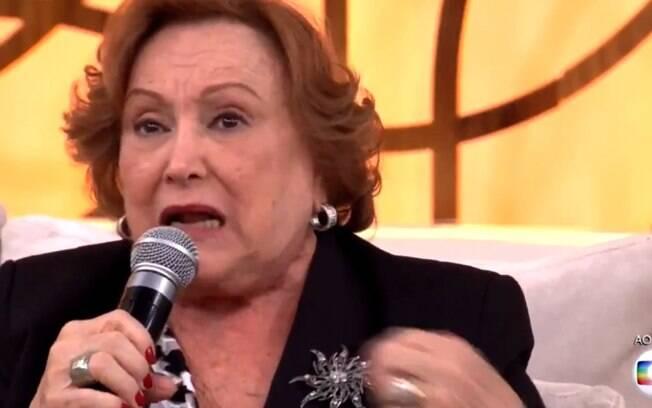 'Você é quem tem que se adaptar', diz Nicette Bruno sobre homossexualidade
