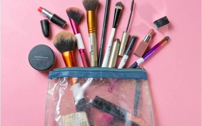 Bolsa de maquiagem com alto nível de bactérias