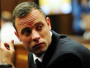 Pistorius pega cinco anos de prisão