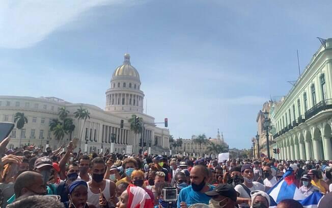Por que os cubanos protestam em frente ao Capitólio de Havana