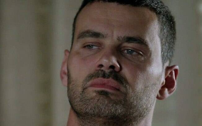Império: José Alfredo mergulha fundo no passado de Maurílio e tem choque ao descobrir que ele está morto