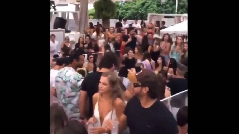 Festa foi realizada em um tradicional clube de praia em Florianópolis