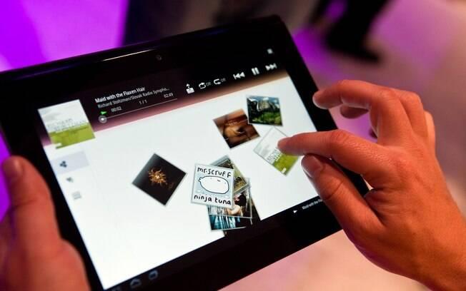 Tablet S, da Sony, chega ao Brasil ainda este mês