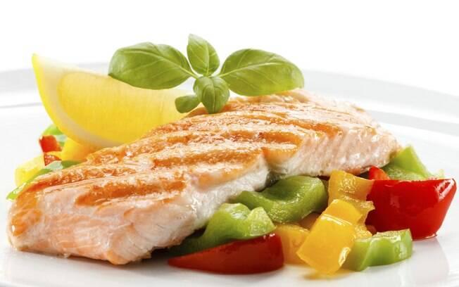 Comer peixe está na lista de dicas para emagrecer