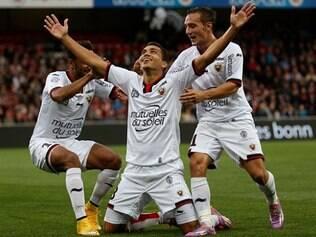 Brasileiro Carlos Eduardo foi o maior nome do time na partida