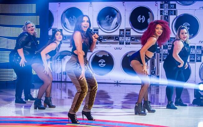 Junto com a bailarina Tatiana Lima, Thais Carla foi anunciada como a nova integrante do balé de Anitta nesta segunda-feira
