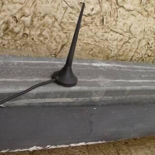 Antena conectada ao equipamento da Sabesp