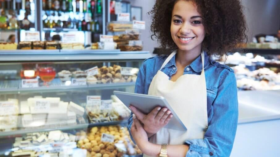 O MEI (Microempreendedor Individual) é a pessoa que trabalha por conta própria e que legaliza o seu negócio tornando-se um pequeno empresário