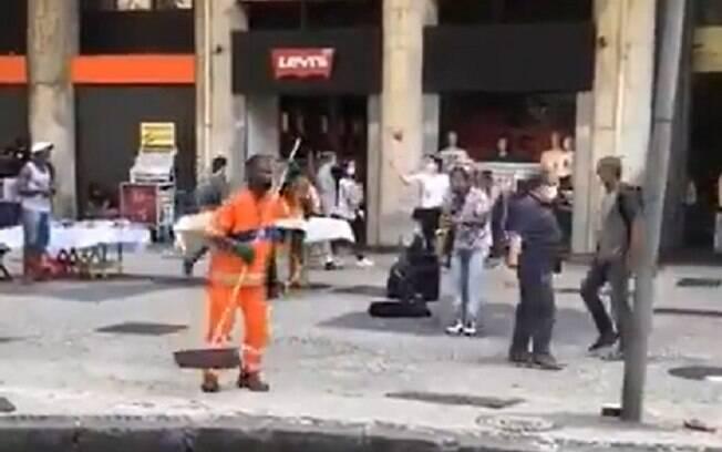 Gari foi flagrado dançando no Rio de Janeiro