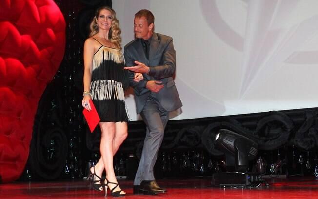 Letícia Spiller e Marcello Novaes no prêmio Profissionais do Ano