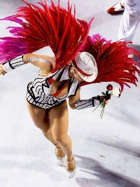 Viviane Araujo no carnaval de 2016