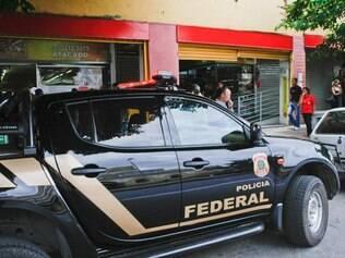 Cidades - Belo Horizonte - Minas Gerais -  Operacao da Policia Federal no shopping Xavantes.  Foto: Uarlen Valerio / O Tempo 30-10-2013