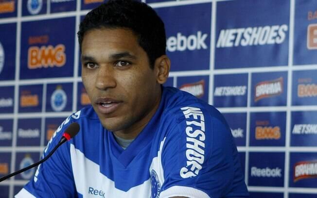 Brandão, ex-Cruzeiro e Grêmio, foi absolvido  das acusações por agressão sexual na França