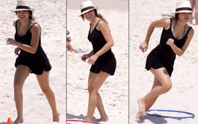 Vanessa Giácomo corre na praia