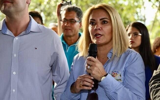 Segunda ex-mulher de Bolsonaro, Ana Cristina Siqueira Valle comprou imóvel por 65% do preço