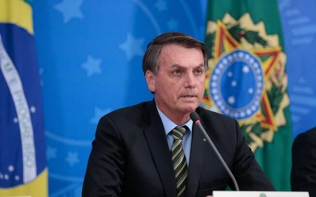 Jair Bolsonaro e presidentes da Caixa, Banco Central e BNDES anunciaram pacote de apoio a empresas durante epidemia