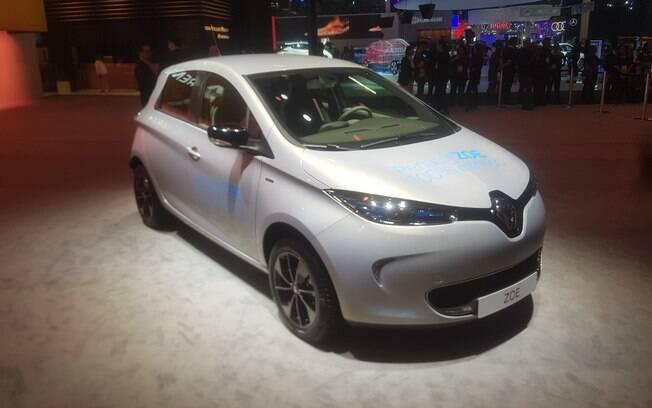 Renault Zoe é atração principal no Salão do Automóvel 2018 e já está disponível nas lojas da marca francesa