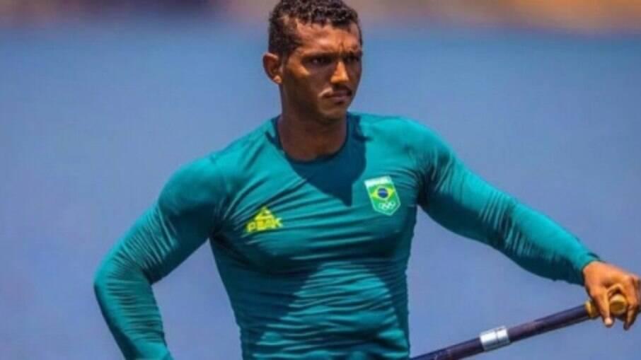 Isaquias Queiroz avança à semifinal no C1 1000m
