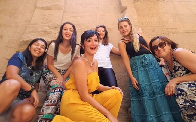 Camila fez uma viagem em grupo com 15 mulheres para o Egito e acredita ser a melhor forma de ir a um destino exótico