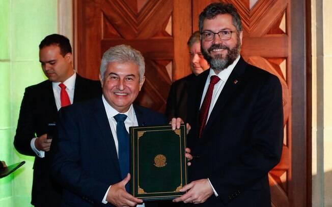 Ministros Marcos Pontes e Ernesto Araújo durante evento nos Estados Unidos