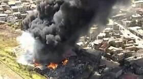 Incêndio em galpão de recicláveis atinge casas em MG
