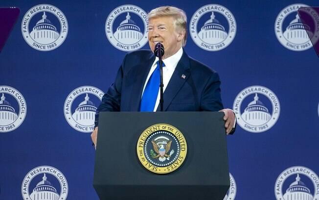 Proposta de abertura de um inquérito formal de impeachment contra o presidente Donald Trump não será votada no plenário da Câmara no momento