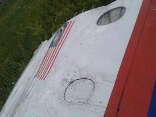 Outra foto postada pelo Euromaidan seria de destroço do avião da Malaysia Airlines