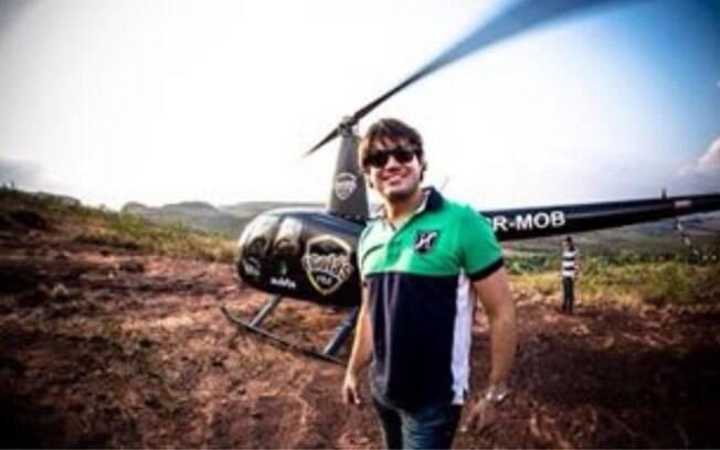 O piloto, Ricardo Barros, é uma das vítimas do acidente de helicóptero que aconteceu em Goiás na noite deste sábado (24)