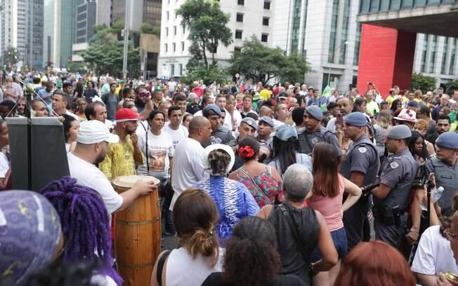 Polícia entrou em ação para separar confusão na Avenida Paulista