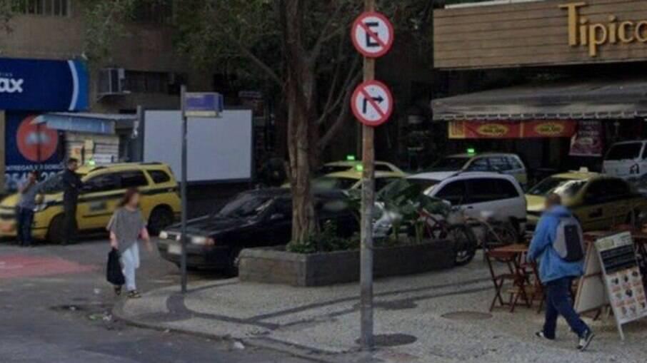Duas pessoas são baleadas em bar de Copacabana