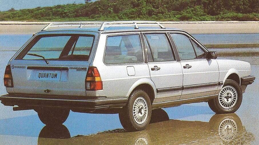 A perua Santana Quantum  - a mesma Passat Variant dos europeus – podia levar até 796 litros em seu porta-malas (até o teto)