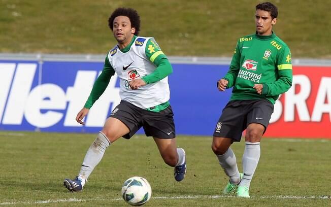 Marcelo treinou entre os reservas no seu  retorno à seleção