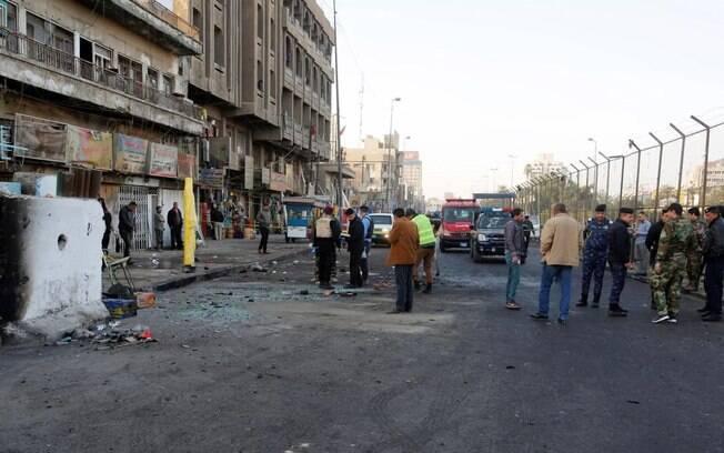 Duplo atentado ocorreu contra um grupo de trabalhadores, na Praça Al Tayaran, no centro de Bagdá