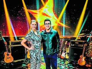 """Fraco. Fernanda Lima e André Marques tentam alavancar o reality show """"SuperStar"""", da Globo"""