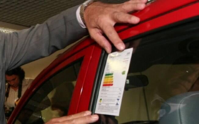 Até 2017, o Inmetro irá testar o consumo de combustível e etiquetar 100% da frota nacional.