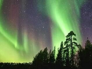 Andy Keen tem uma empresa de turismo especializada em levar pequenos grupos para observar as luzes
