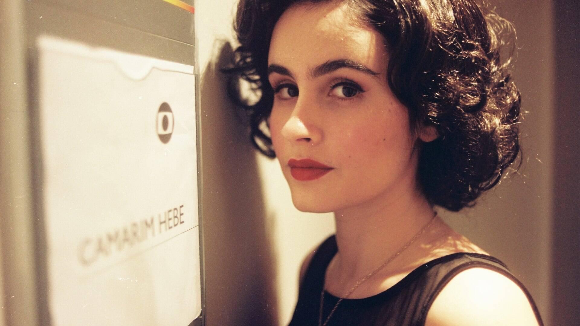Andreia Beltrao Nua valentina herszage interpreta hebe camargo na juventude - fa