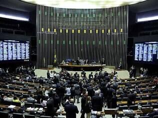 Tumulto interrompeu votação da meta fiscal
