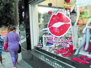 Cenário.  Apesar do baixo otimismo, lojas investiram para atrair os casais até o Dia dos Namorados
