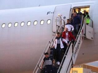 Desembarque da França gerou expectativa no aerporto